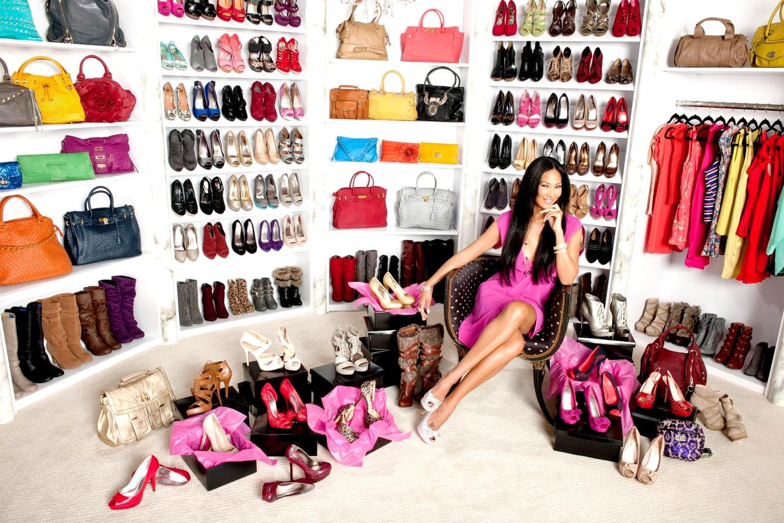 shoe-closet-1600x1067-design-time-amp-scene-celebrity-shoe-closets-urumix.com_