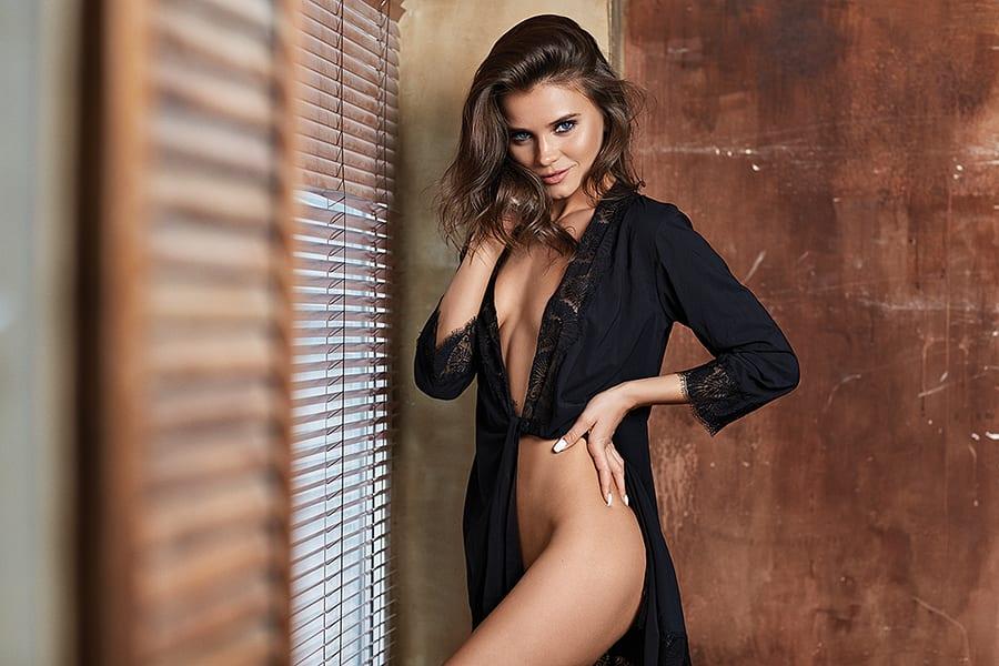 Кто работает вебкам моделью в видеочатах??